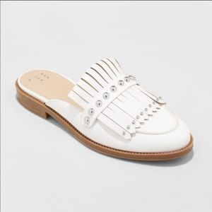 NWOB White Faux Leather Loafers with Fringe